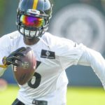 Bell apologizes as Steelers open camp