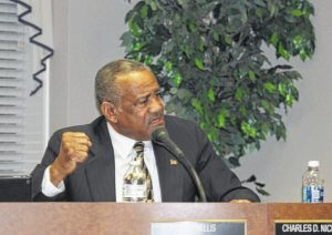 Laurinburg mayor, council feud continues to simmer